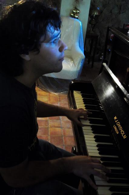 pianista, pianoforte, piano, lentezza, musica, slow travel, simon dabbicco