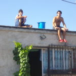 wwoof in spagna, sul tetto, gavettoni, wwoofer, esperienze, divertimento, goliardia