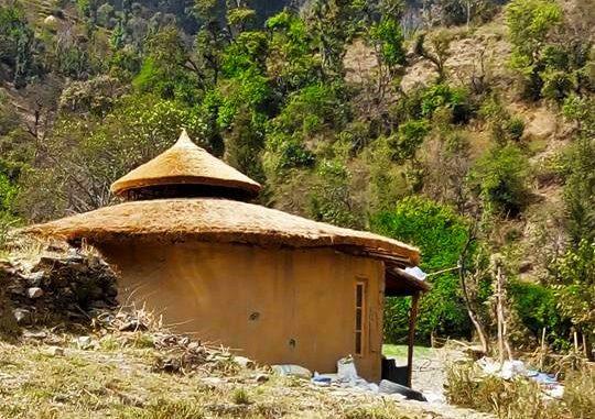 Costruire una casa con i sacchi di terra formazione e ospitalit in india - Costruire casa in economia ...