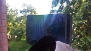 Giro del mondo senza soldi
