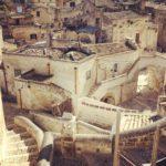 Visita Subito Matera. Passeggia sui tetti delle case.