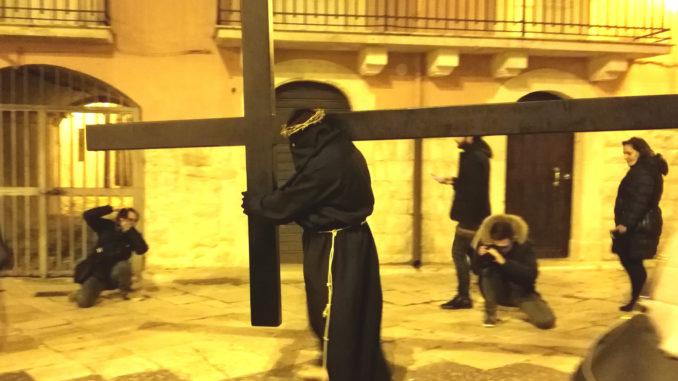 Tra i riti della settimana santa in Puglia, i viacroci hanno un'importante rilevanza