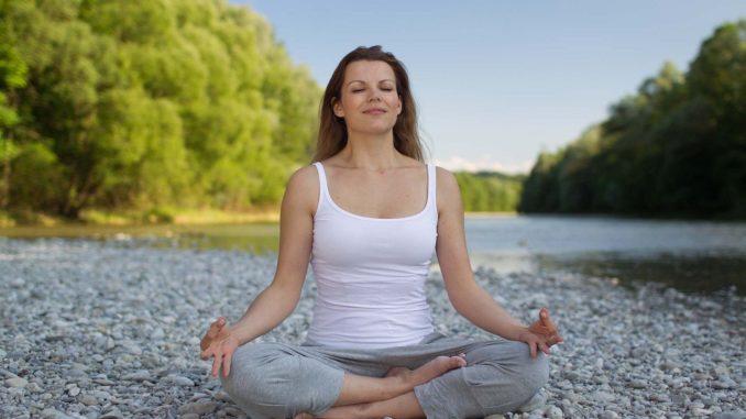donna, meditazione, yoga, natura, libertà, spiritualità, viaggiare, scambio culturale, Calabria, px