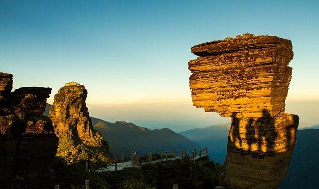 Cina, slow travel, meraviglie, geologia, montagne, rocce fantastiche