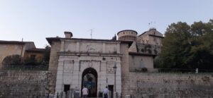 viaggi lenti, viaggio lento, viaggiare con lentezza, slow travel, città da visitare, consigli, Brescia