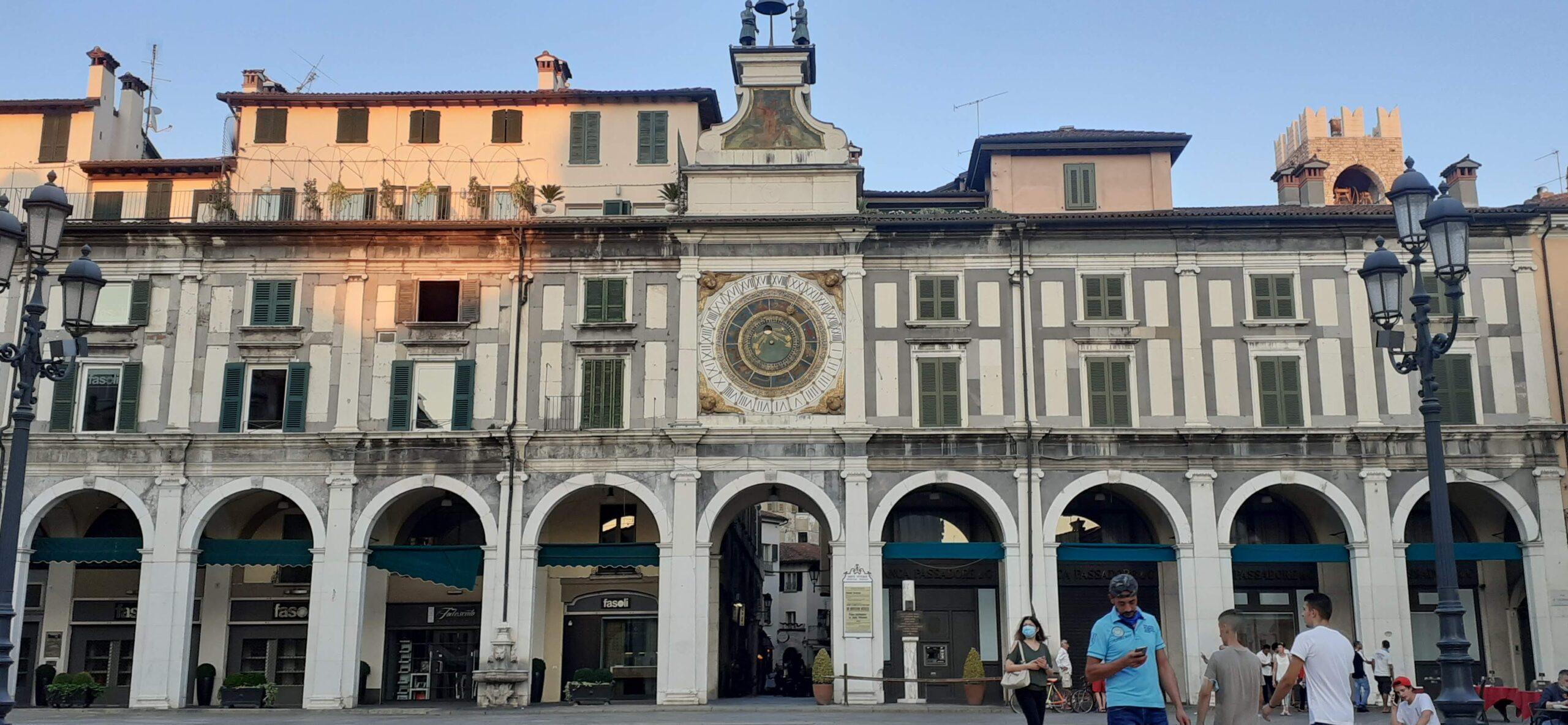 Piazza Loggia, Torre dell'Orologio