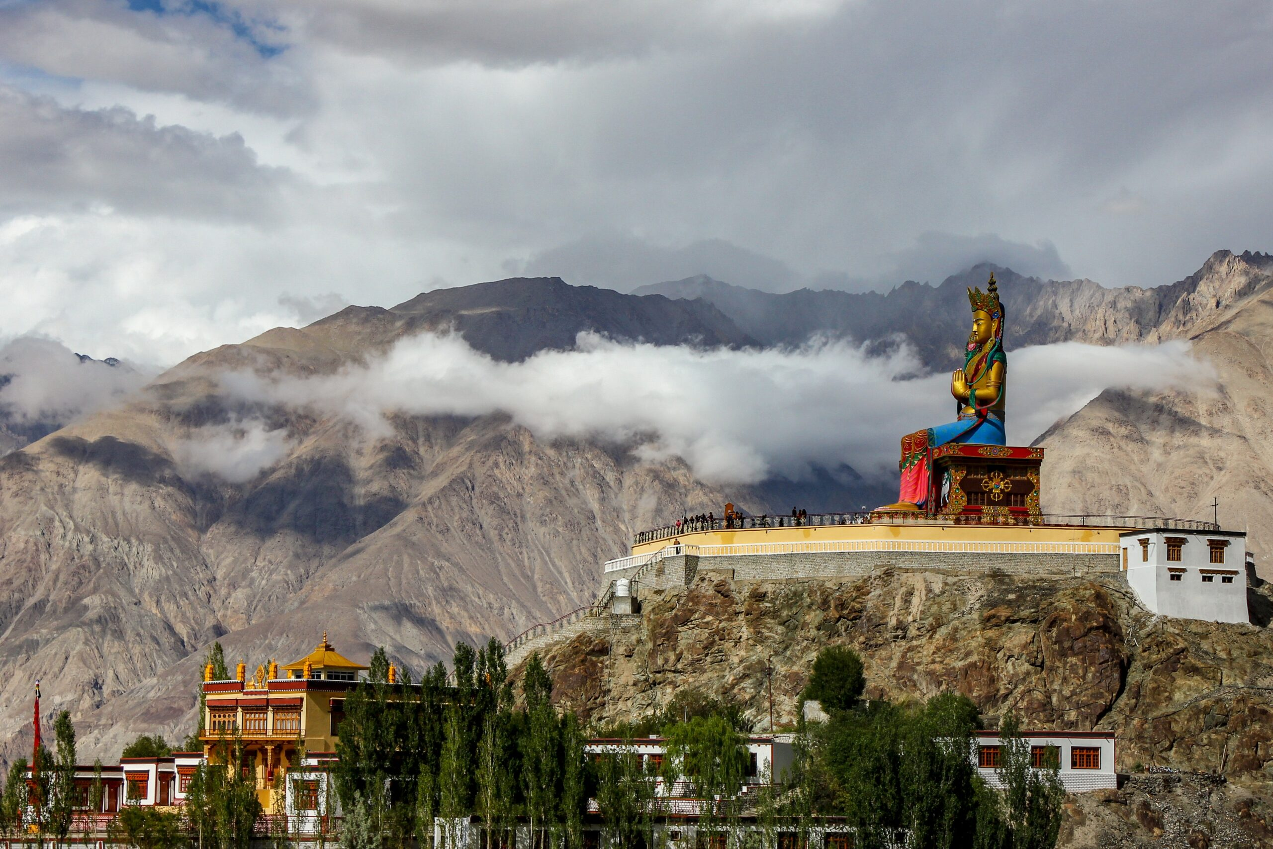 ashram, budda, tempio buddista, vita spirituale, stili di vita alternativi, viaggiare con lentezza, slow travel