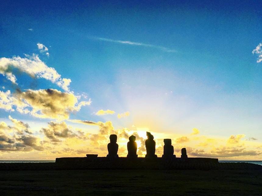 Andrea Cabassi, slow traveller, mollare tutto e partire, moai, isola di pasqua, cile
