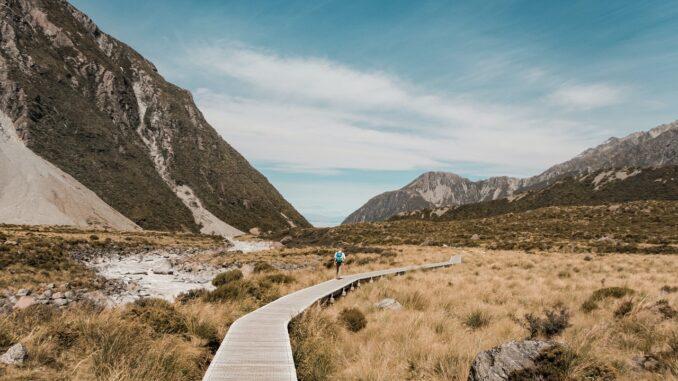 escursioni, viaggi lenti, viaggiare a piedi, percorsi, nuova zelanda, cammini nel mondo, slow travel, turismo lento