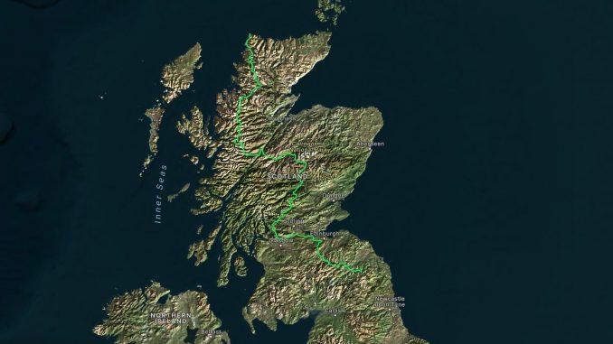 viaggi a piedi, cammini, scozia, scozzese, mucca scozzese, vacca, corna, pelo, animale, viaggiare con lentezza, highlands
