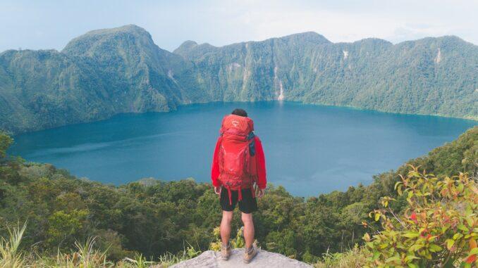 hiking, trekking, cammini, piedi, camminare, percorsi, escursioni, viaggiare con lentezza, avventura, slow travel, viaggi lenti, racconti, paesaggi, percorsi a piedi
