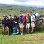 pellegrini, boy scout, camminatori, trekking, escursionisti, vallo di adriano