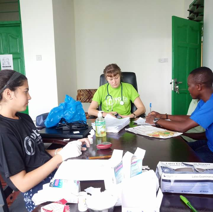 studenti di medicina, africa, volontariato, volontari, medici, infermieri, ghana