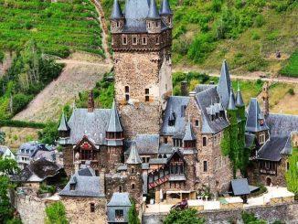 castello di cochem, germania con lentezza, slow travel, turismo lento, viaggiare con lentezza