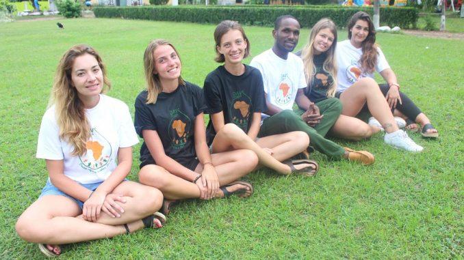 volontari, squadra, team, volonturismo, fattoria biologica, wwoof, workaway, scambio alla pari, vitto e alloggio, africa, Volontariato in africa domande frequenti