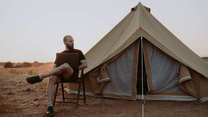 semplicità volontaria, downshifting, downshifter, cambiare vita, vivere in una tenda, yurta