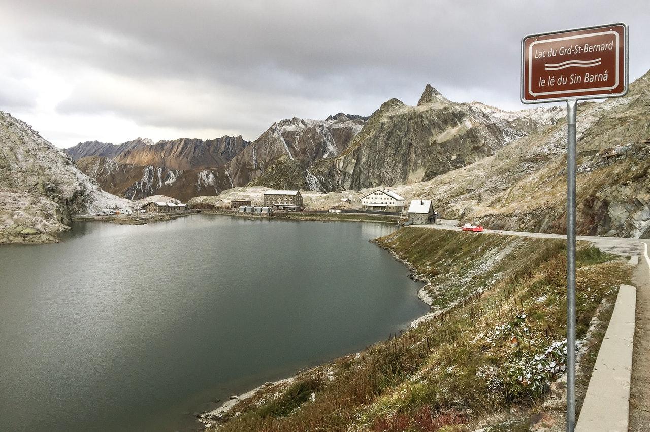 Via Francigena, Val d'Aosta, San Bernardo, Passo, cammini, Italia, viaggiare con lentezza, slow travel