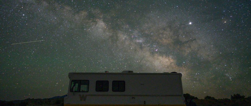 camper, vivere in un camper, cielo stellato, fulltiming, tempo indeterminato, viaggio, slow travel, viaggiare con lentezza, px, pex, viaggi a motore
